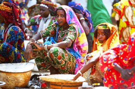 femmes-peuls-dans-l_extreme-nord-du-cameroun-c2ab-l_eldorado-touristique-c2bb-2005-par-sebastien-cailleux