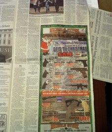 ένθετο στο άρθρο για το μακελειό στο σχολείο στο Newtown η εφημερίδα The Herald της Νότιας Καρολίνας διαφημίζει όπλα! - enthetic in the article on the slaughter in the school in Newtown the newspaper The Herald of Southern Carolina advertizes arms! inséré à l'article sur le carnage à l'école à Newtown le journal The Herald de la Caroline du sud fait la publicité des armes ! via [Enlarge-agrandir-μεγαλώστε]