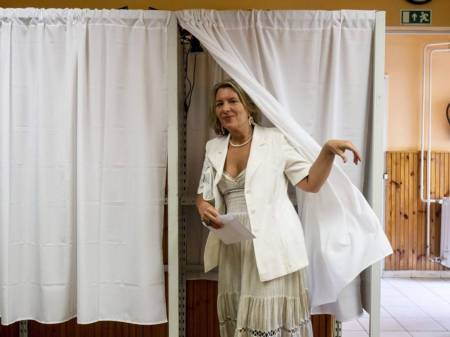 Hungary, Krisztina Morvai, 51 [Μεγαλώστε - Enlarge - Agrandir]